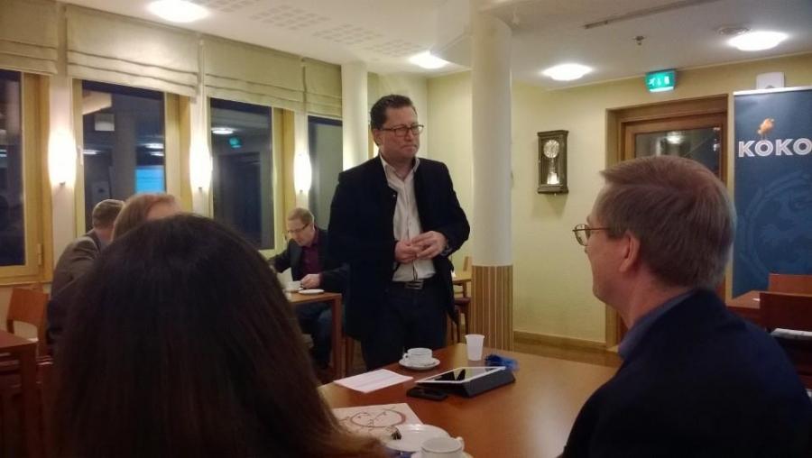 Ja illan isäntänä toimi Hämeen Kokoomuksen puheenjohtaja, ja yrittäjä, Juha Rostedt.
