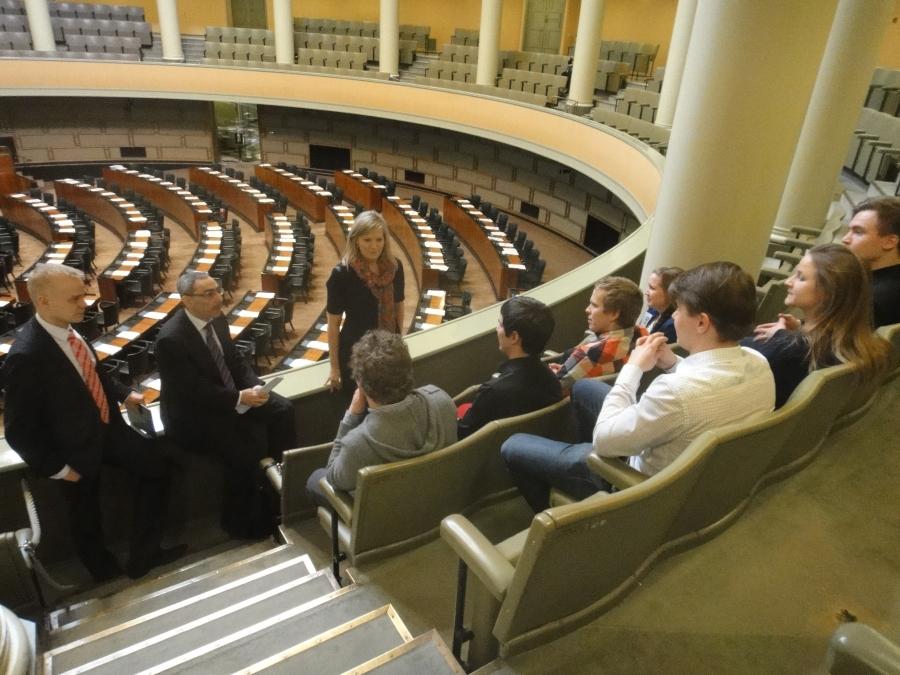 Ja tässä porukkaa jututtamassa kanssani myös kollegani Sofia Vikman ja Ben Zyscowicz.