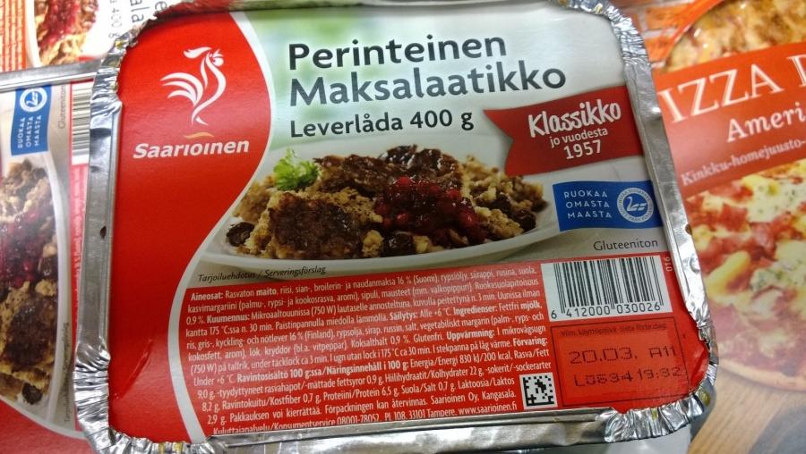 Ja tässä vielä Joutsenlipulla Saarioisten Maksalaatikko. Eli kyllä niitä suomalaisista raaka-aineista tehtyjä ruokia löytyy ihan kaikista hintaryhmistäkin ja isoiltakin merkeiltä. Siis suomalainen ruoka on siinä mielessä tahtokysymys.