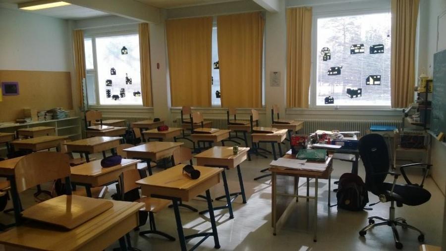 Täss luokassa aikanaan aloitin Launosissa luokanopettajana. Hienoja muistoja aivan mahtavasta luokasta.