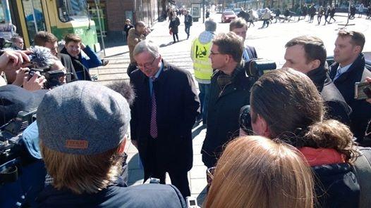 Mediaa oli myös paikalla paljon kun Eurovaalien mielenkiintoisin kaksikko Juncker ja Katainen tapasivat äänestäjiä Helsingissä.
