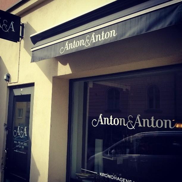 Ja hyvää ruokaa niin ravintoloissa kuin kaupoissakin. Tässä mainio lähiruoan ja luomuruoan kauppa Antton & Antton.