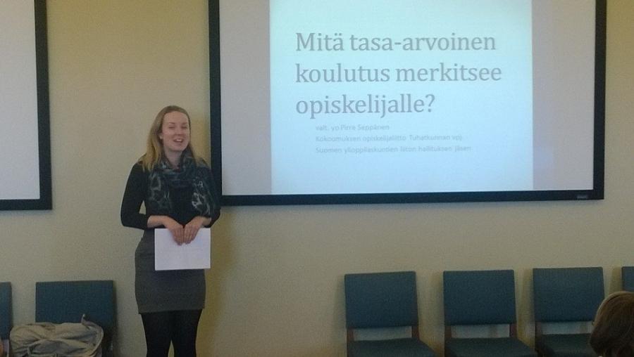 Kokoomus Opiskelijoiden varapuheenjohtaja ja SYL:n hallituksen jäsen Pirre Seppänen puhuu siitä mitä tasa-arvoinen koulutus merkitsee opiskelijalle