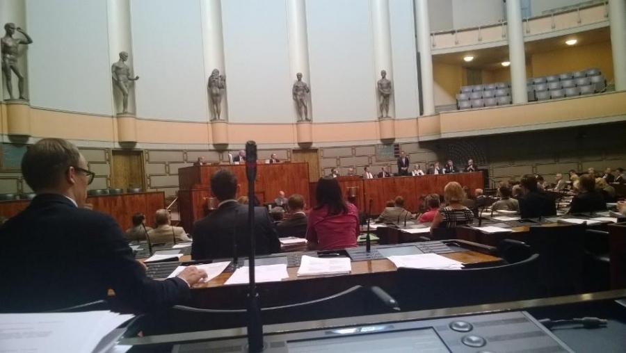 Eduskunnan kyselytunti käynnissä 5.6.2014.