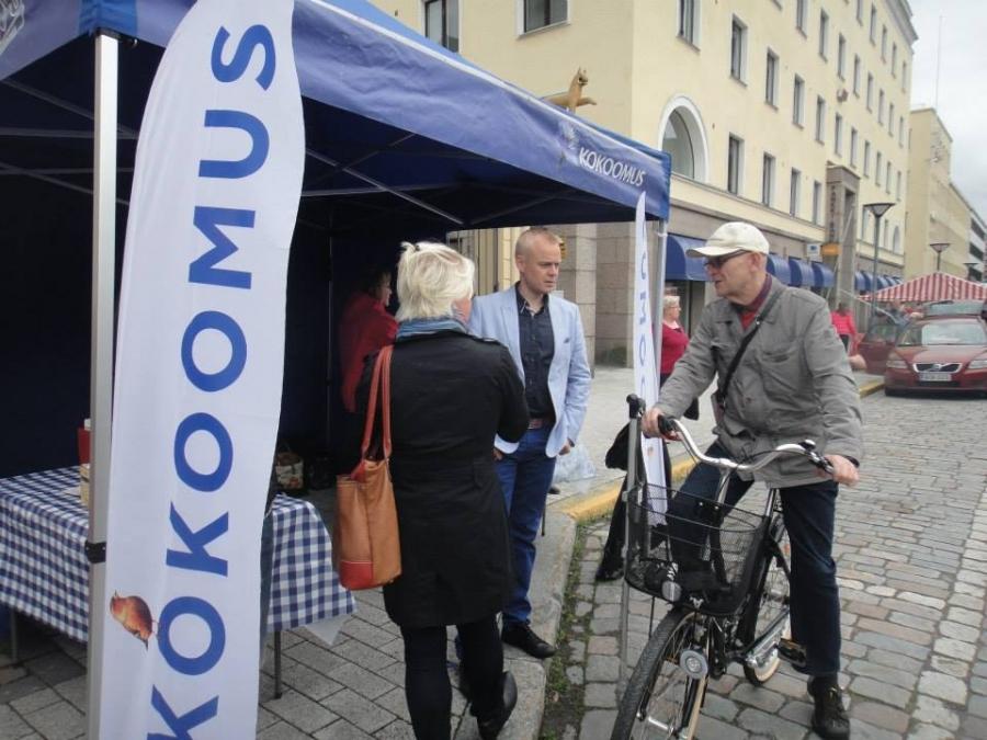 Kesäkiertueeni 2014 Hämeenlinnan Kuukausimarkkinoilla 1.7.2014. Tapahtumia ja markkinoita yhteensä yli 30. Seuraa kalenteriani kotisivuillani www.timoheinonen.fi ja tule juttusille.