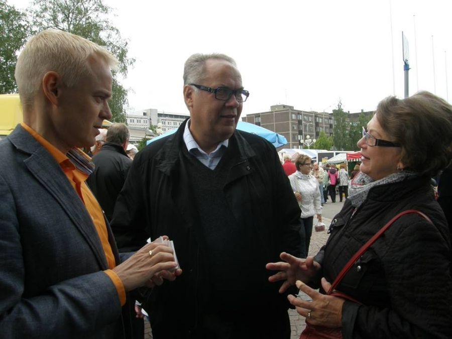 Ja tässä sitten Ilkka Viljanen kanssani Hämeen ehdokkaista ja hyvää palautetta.