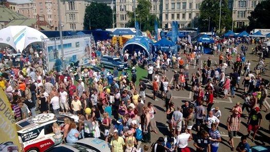 Neste Oil Rally Helsinki Battle keräsi yli 20 000 rallin ystävää yhteen keskelle Helsingin kaupunkia. Nyt oli pöhinää ja hevosvoimia.