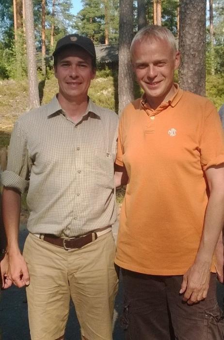 Ministeri Carl Haglundin kanssa vietimme tänään kesäpäivää Lopella. Kaveripäivän ohjelmassa hieman treeniä tulevaa metsästyskautta silmällä pitäen ja sitten hieman työasioitakin jo päivällisellä Marskin Majalla.