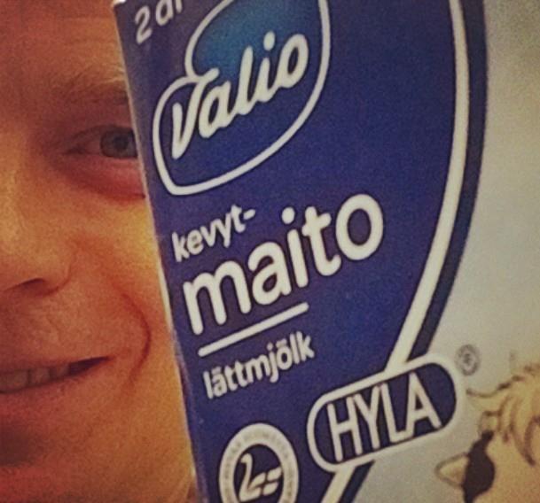 Ostetaan ja syödään ja juodaan nyt suomalaista. Autetaan siis yhdessä valinnoillamme kotimainen ruoantuotanto yli vaikeankin tilanteen.