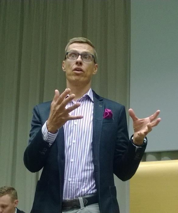 PM Alexander Stubb käy läpi Suomen taloutta ja tulevaa budjettia. Taloutta laitetaan nyt tasapainoon ja se tärkeintä.