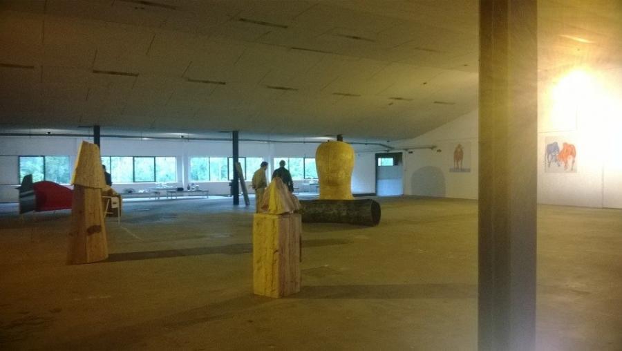Ja kesänäyttely vielä myös viikonlopun Riihimäellä auki Wanhalla Lasitehtaalla.