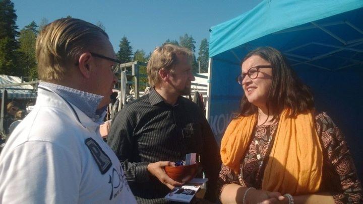 Paikalla oli myös ehdokkaistamme Tuomo Riihilahti ja katsotaan jos Merja Vahterkin vielä saataisiin mukaan joukkueeseemme.