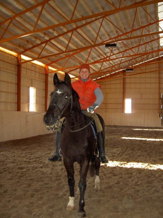 Tässä Jari Nylund siis ensimmäistä kertaa omassa Maneesissaan hevosen kanssa. Vuosi siis 2006.