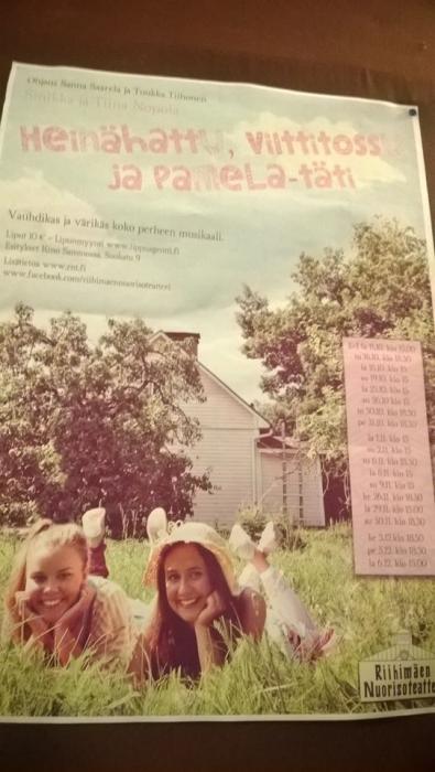 Upea Sinikka ja Tiina Nopolan Heinähattu ja Vilttitossu ja Pamela-täti pyörii Kino Sammossa aina joulukuulle asti. Hienoa musiikkiseikkailu jälleen.