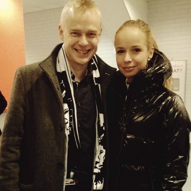 Anna-Julia Kontion kanssa tänään Helsinki International Horse Showssa. Juuli maamme kärkiesteratsastaja ja toivottavasti huomenna mennään loppuun asti kärjessä ja jätetään se puoliso sitten kakkoseksi :)