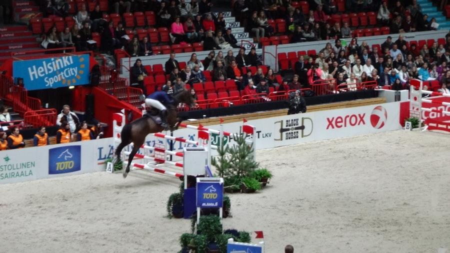 Ja hieman vielä tunnelmaa Helsinki Internationa Horse Show viikonlopulta. Viikonloppu huipentui tiukkaan GP-finaaliin tänään Helsingin Jäähallilla.