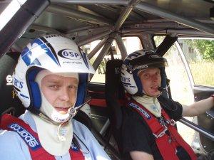 Pekka Vihman MM-rallitestien yhteydessä pääsin MM-sarjastakin tutun kuljettajan Juuso Pykälistön kyytiin. Upeaa menoa. Ammatti mies.