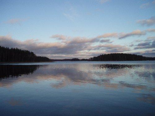 Loppijärvi 10.12.2006. Ei uskoisi, että jouluun on enää pari viikkoa.