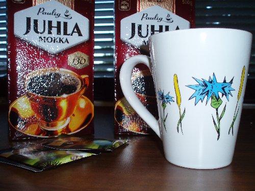 Ruiskukka ja Timotei -kahvikupit nyt saatavana. Elina Pirisen suunnittelema uniikki kahvikuppi kaunilla suurella korvalla :) Pieni vain 200 kpl erä. Tilaa pian omasi. Lisätietoa Kampanjantuotteet -sivulta.