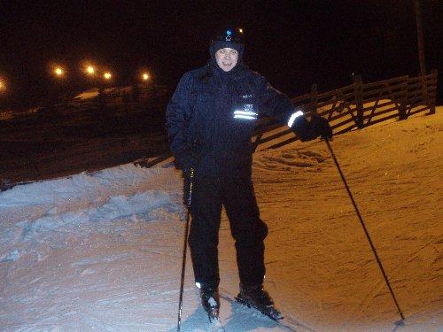 Tänään päivä kului ulkona. Ensin päivällä hiihtolenkki ja sitten iltapäivä ja ilta laskettulurinteiseissä.