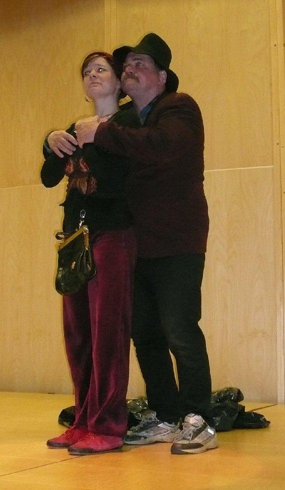 Salomo ja Ursula Lopen koulukeskuksessa osana Juhani Peltosen kirjallisuustapahtumaa.