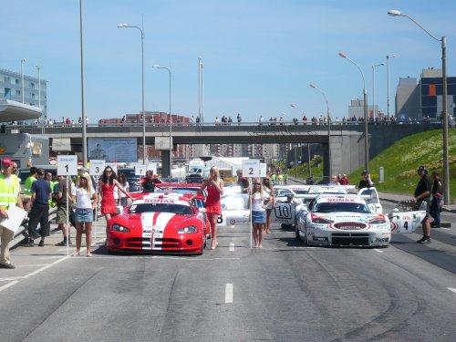 Tallinnan Linnaringin radalla Lasnamäen kaupunginosassa kaikki valmista. Super Touring, GT, Formula 3 ja Legends kuljettajat kisasivat Rata SM:n pisteistä. Yleisö viihtyi ja kuljettajat hieman huonommin.