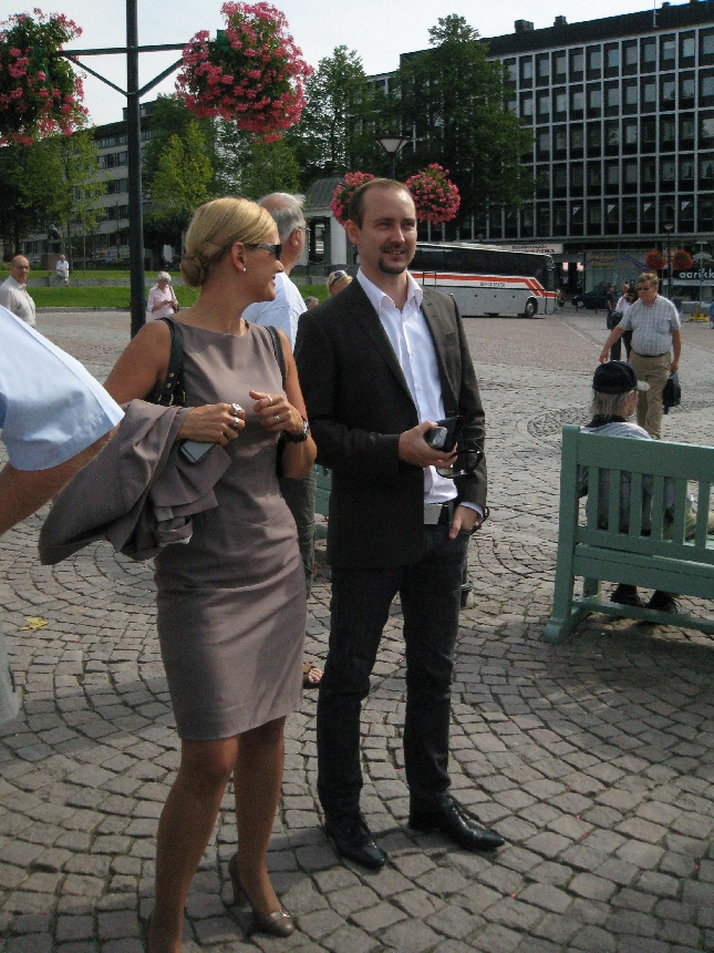 MEP Eija-Riitta Korhola ja ryhmämme pääsihteeri Tero Kallio Hämeenlinnassa.