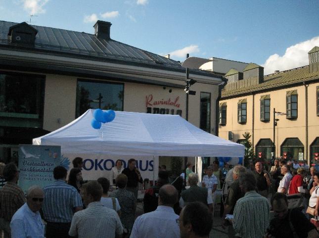 Riihimäen Kokoomus kuuntelee ja Korva -tapahtuma järjestettiin Graniitilla. Väkeä riitti sielläkin.