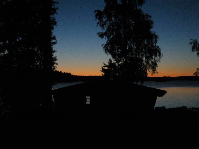 Aamuhetki Loppijärveltä. Tästä kohti lentokenttään. Uusi viikko alkuun.
