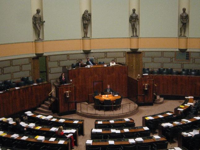 Eduskunnan istuntosali. Kuva 20.11.2007.