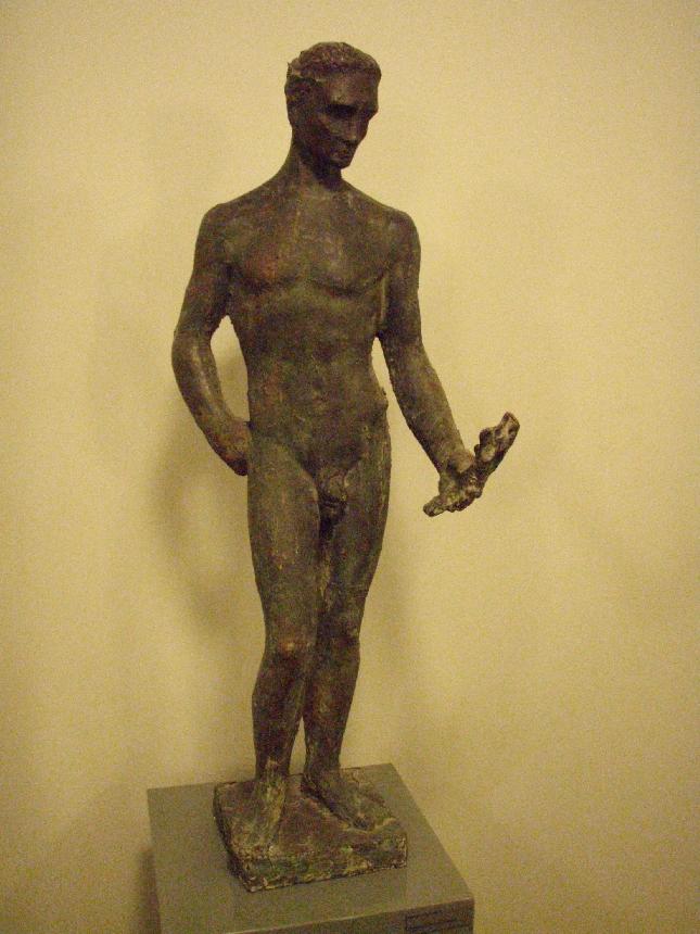 YKSITYISKOHTA EDUSKUNNASTA: Wäinö Aaltosen Henkinen työ -teoksen luonnos vuodelta 1929. Aito patsas Aaltosen museossa ja kopio eduskunnan istuntosalissa.