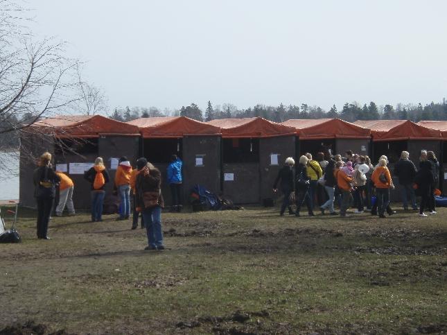Myös hevoset olivat tänään esillä Espoossa ammattitaidon kilpailussa. Ei vielä varsinaisena kilpailualana, mutta ehkä jo ensi vuonna. Tai siis ei hevoset vaan hevosalaa opiskelevat :)