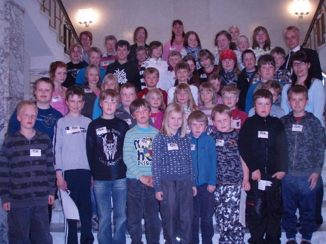 Topenon koulu vierailulla eduskunnassa