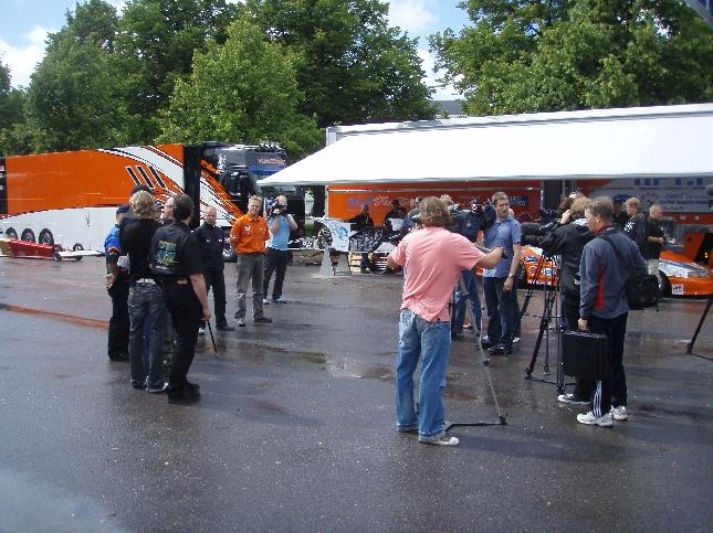 Alastarolla ensi viikonloppuna nähdään huikea kiihdytysautojen EM-osakilpailu kun kovimmassa TopFuel luokassa on mukana Janne Ahosen johdolla peräti neljä suomalaiskuskia.
