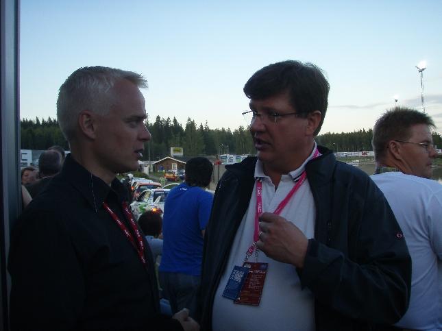 Loppilainen Santeri Muhonen on vahvasti mukana Neste Oil Rallyssa ja myös Neste Oilin toiminnassakin. Syksyn kuntavaaleissa yksi erittäin mielenkiintoinen ja hyvä ehdokkaamme. Nimi mieleen.