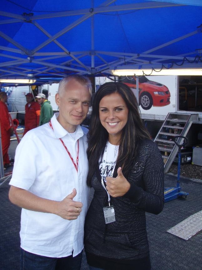 Tuomiston Satuu tutustuin jo monta vuotta sitten Rata SM-kilpailuissa Lähteenmäen Pasin ajaessa. Jo silloin Sadusta tiesi, että tie on ylöspäin.