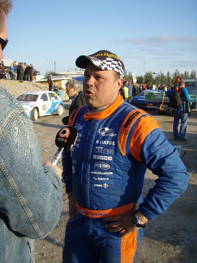 Rallicrossin Divisioona ykkösen eli kovimman luokan Suomenmestari Mika Jokinen.