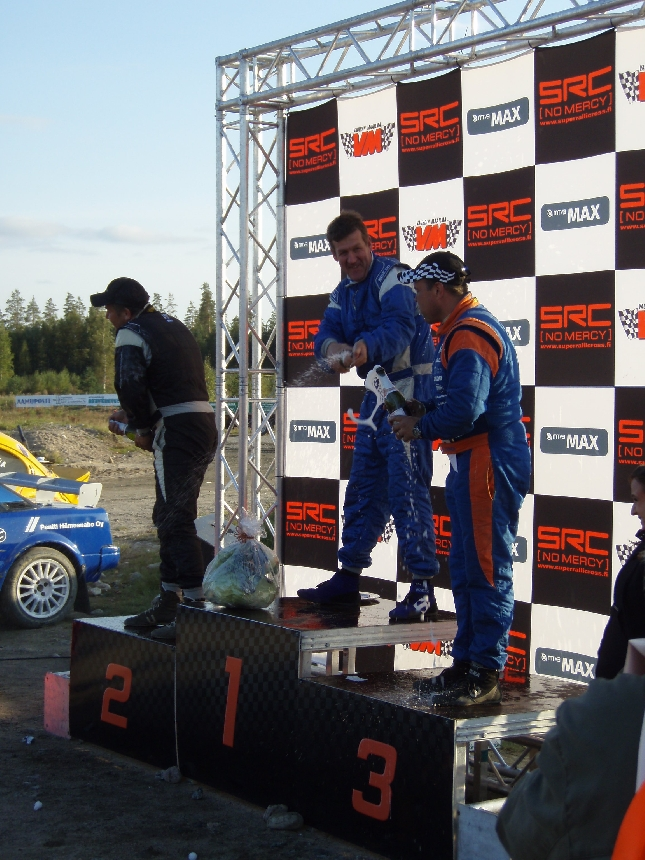 Tänään ratkottiin vuoden 2008 rallicrossin Suomenmestaruudet Hyvinkäällä.