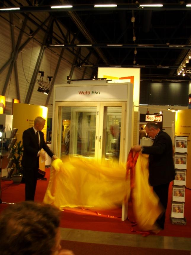 Sain tänään kunnian julkistaa Lammin ikkunoiden uuden innovaation, Watti-Eko-malliston