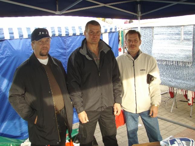 Lopen Yrittäjien puheenjohtaja Jarmo Laukkanen on yksi kovasta yrittäjäehdokasryppäästämme. Jarmon kanssa kuvassa Samppa Jaro ja Vesa Pesonen.