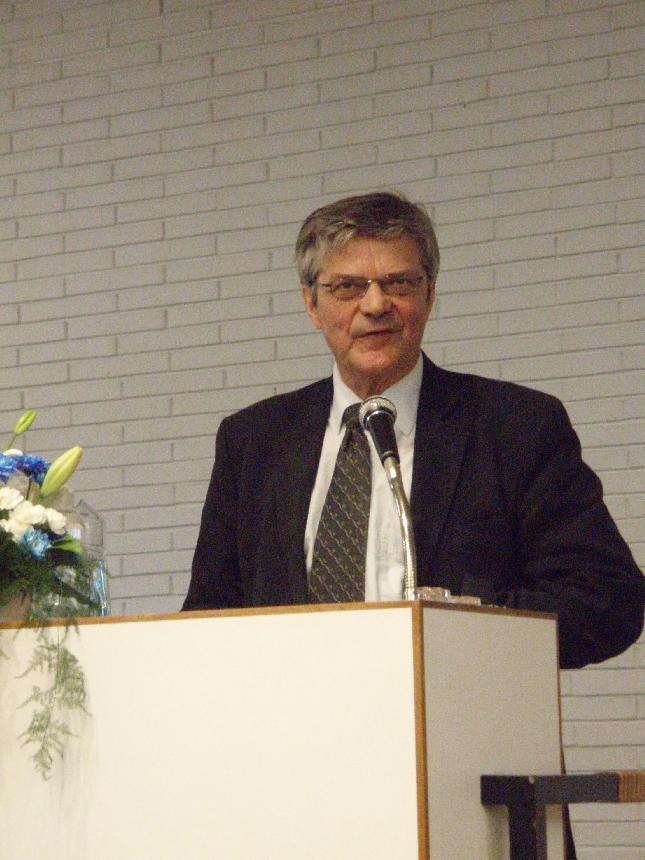 Kansallisen senioriliiton puheenjohtaja Kai Mykkänen piti seminaarissa puhuttelavn tervehdyspuheenvuoron mm. arvopohjaisesta seniorityöstä.