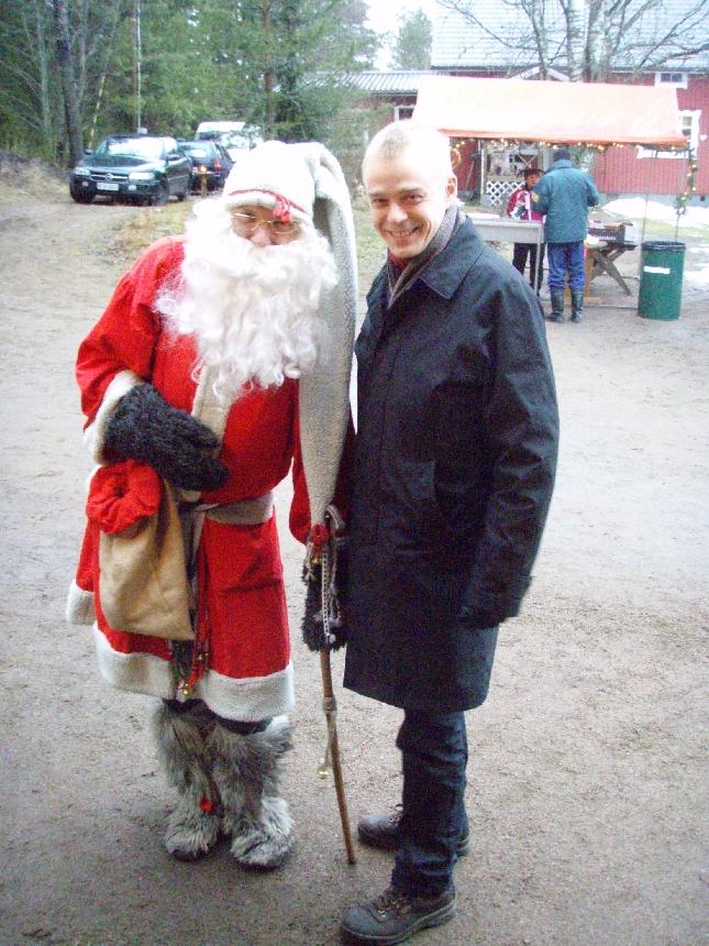 Joentaan Suskan Saviheinäpuodin ja kylätoimikunnan Joulutapahtumassa pääsin tapaamaan myös itse Joulupukkia.