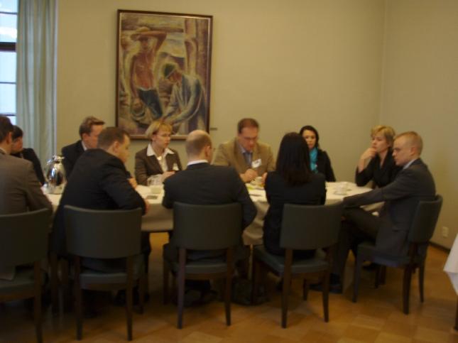 Tänään opetusministeri Henna Virkkusen ja minun vieraana eduskunnassa olivat Jyväskylän Nuoret Yrittäjät.