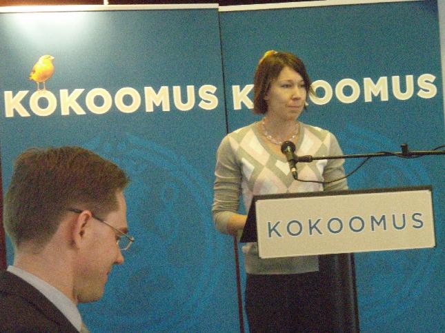 Johanna Manninen valittiin tai nimettiin tänään EU-ehdokkaaksemme. Johanna on ollut mukana jo kunnallispolitiikassa ja nyt myös Jyväskylän kaupunginvaltuutettuna. Toivotaan, että vauhti riittää tässäkin kovassa kisassa.