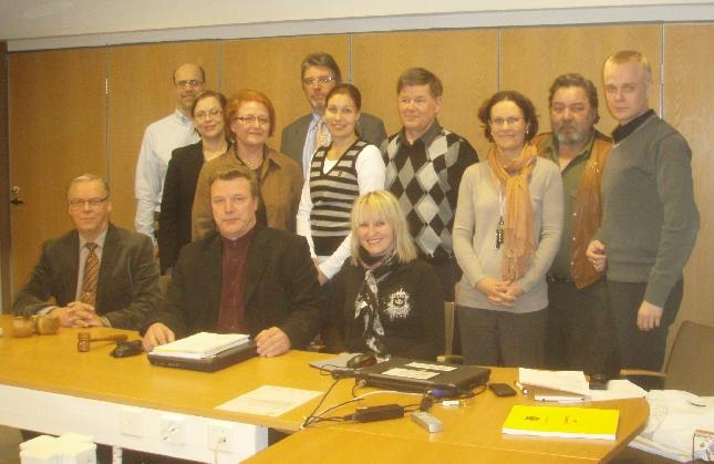 Kunnanhallitus ryhmäkuvassa illan kokouksen jälkeen. Kuva siksi, että kuntaamme vuodesta 1991 johtaneelle Voitto Saranevalle illan kokous oli kuntajohtajana uran viimeinen. Hieno tunnelma ja hieno kokous.