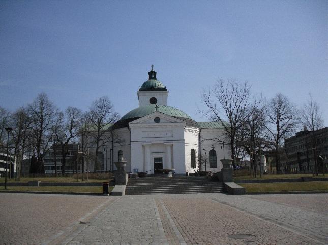Hämeenlinnan kaunis kirkko. Kahvit juotu ja tästä kohden Hämeen Ympäristökeskusta.