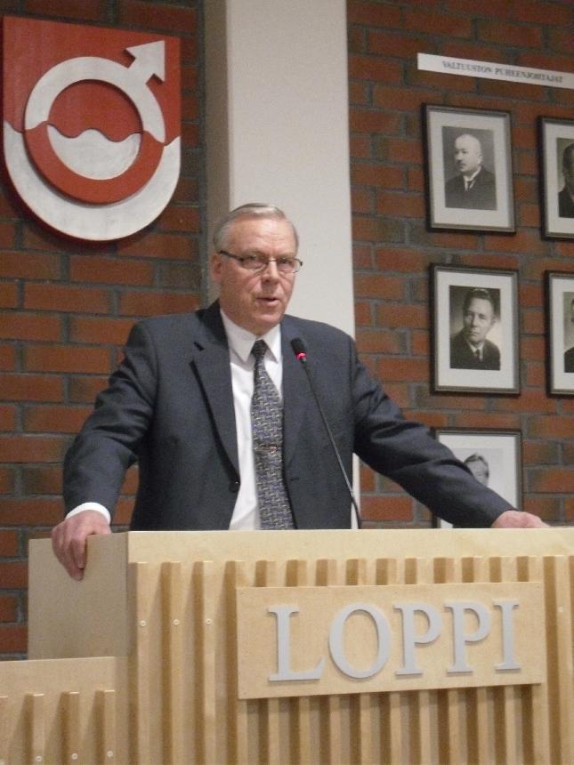 Kunnanjohtajamme viimeisiä tehtäviä. Tänään Voitto tervehti työnsä aloittanutta Hämeen Maakuntavaltuustoa Lopella.