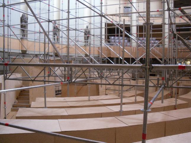 Eduskunnan remontti etenee. Tässä hieman tunnelmia istuntosalista 9.7.2009.