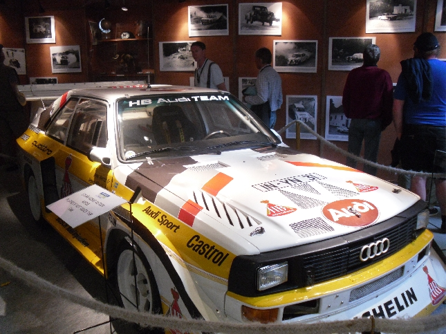 Vastaavanlaisella autolla Hannu Mikkola, tämän vuoden Neste Oil Rallyn Lentävä suomalainen, niitti menestystä aikanaa. Tämä auto Juha Kankkusen.