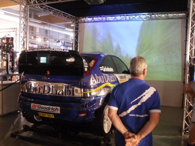 Simracin rallisimulaattori oli saanut uuden kehitysversion ja samalla myös auto oli vaihtunut aitoon WRC Ford Focukseen. Huikeaa suomalaisosaamista. Kannattaa kokeilla. Suosittelen.